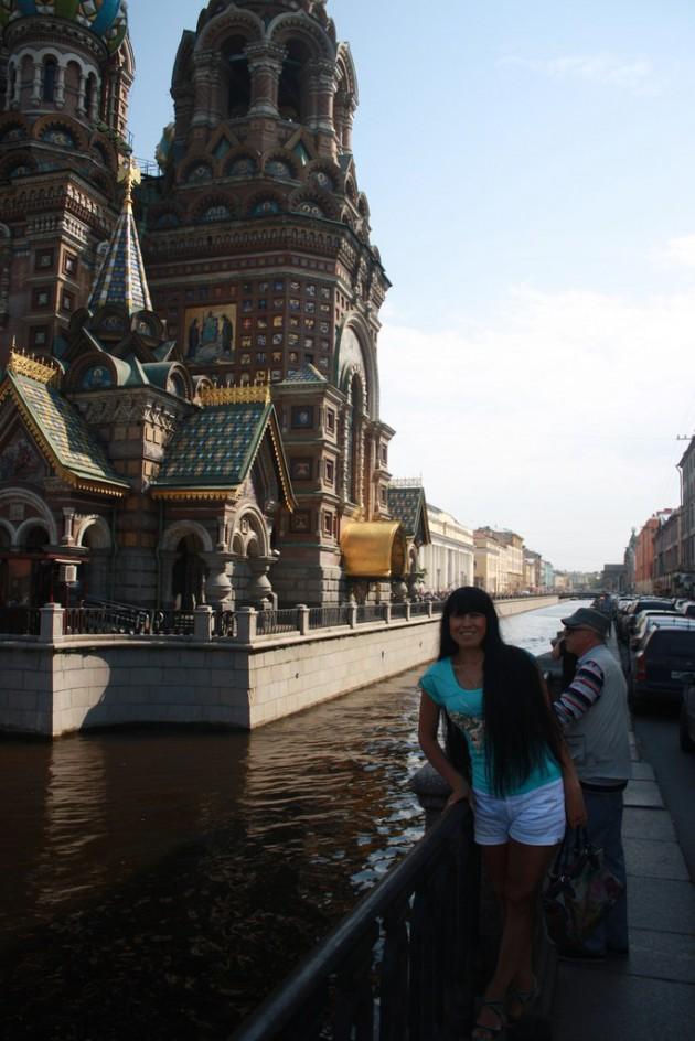 Прекрасные девушки в СПб. Найдена карта памяти